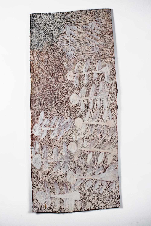 Nyapanyapa Yunupingu,Dharpa, 2016, bark painting, 137 x 59 cm. Courtesy the artist and Roslyn Oxley9 Gallery, Sydney.