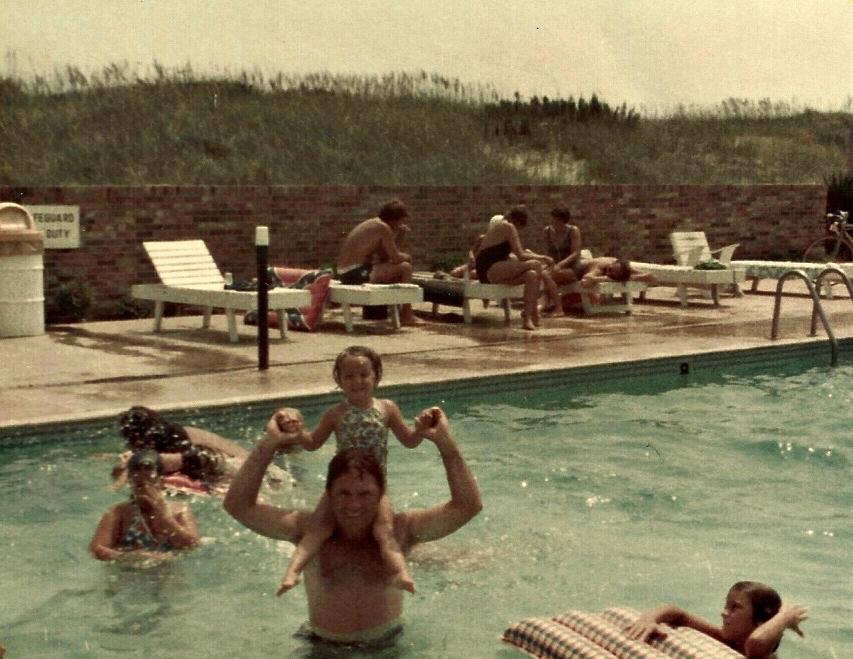 Dad and Jen Nags Head pool.jpg