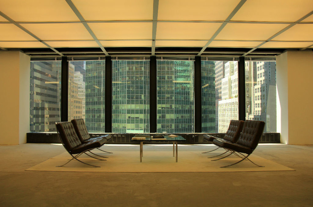 Seagram Building by Ludwig Mies van der Rohe and Philip Johnson |Photo: Jinglu Huang