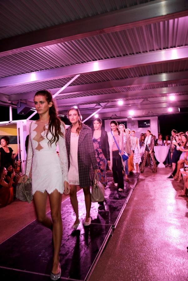 xxkarlierae.com | Gigi New York's #nyfwCruise