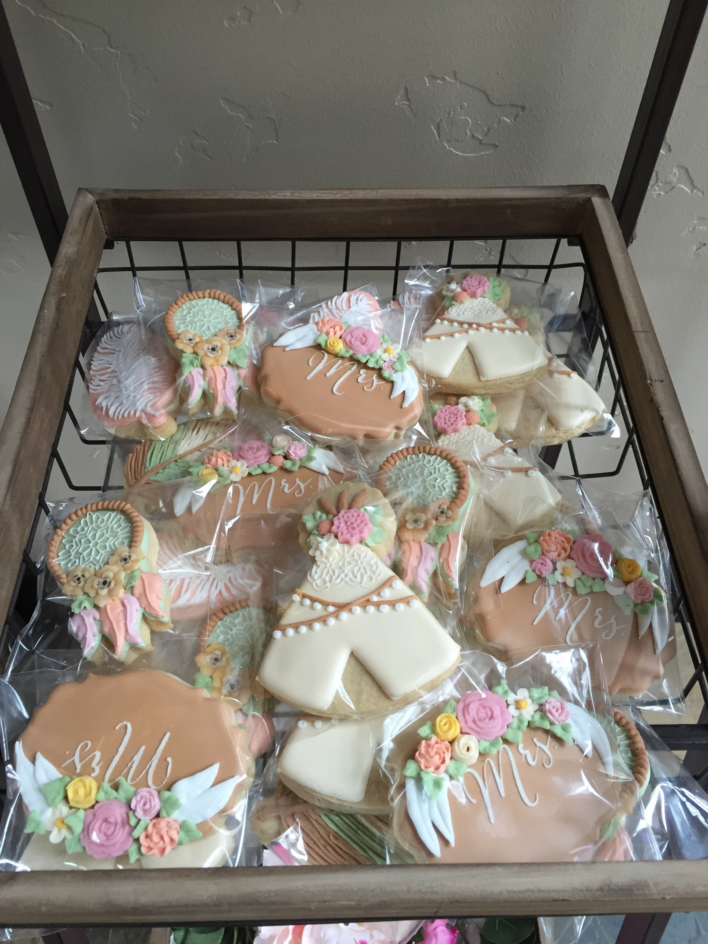 how amazing are these party favors?! cookies are from the sugar canvas boutique bakery in Olympia, Washington