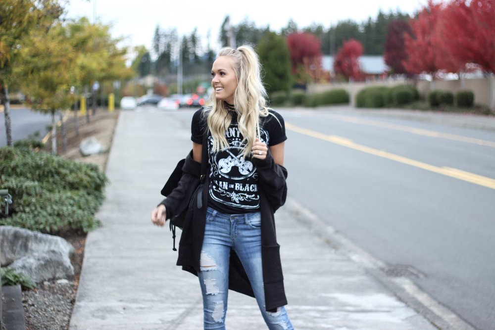 how to style your band tee | xxkarlierae.com