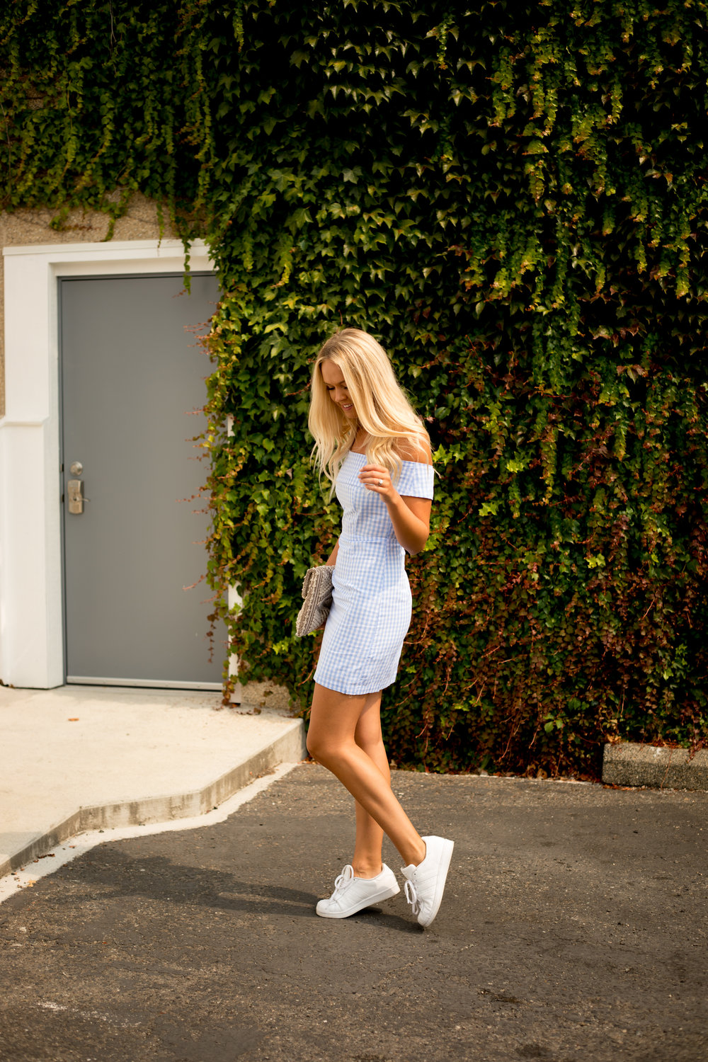 How To Style Sneakers With A Trendy Outfit   xxkarlierae.com