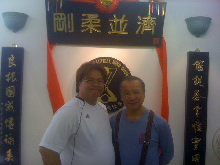 sifu visiting sibak wan kam leung school in hong kong 2001.jpg