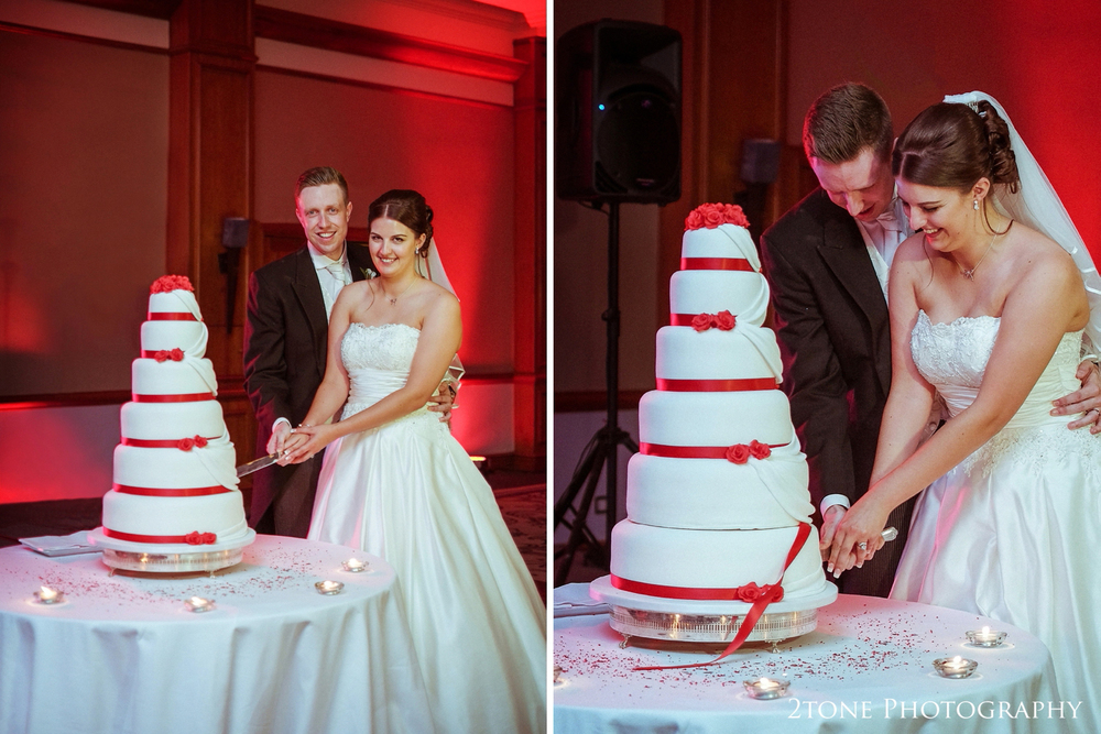 The evening reception in opening with the traditional cutting of the wedding cake.