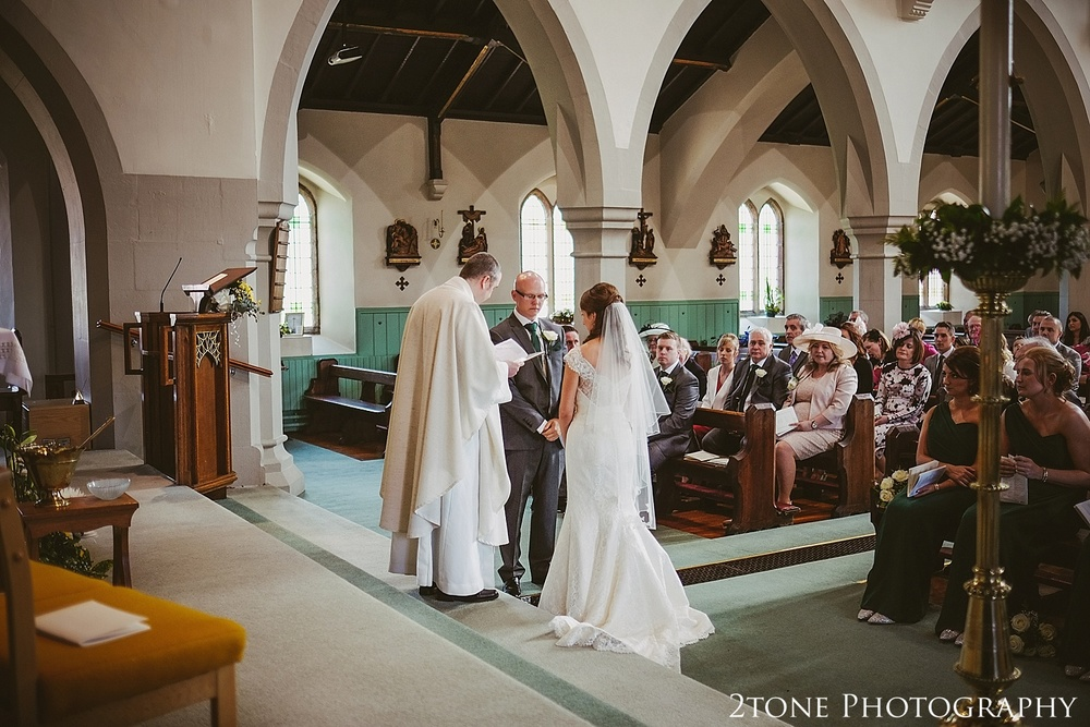 Wedding ceremony.  Durham Castle wedding Photography by Durham and Newcastle wedding photographer www.2tonephotography.co.uk