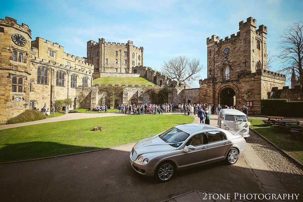 Durham Castle wedding Photography by Durham and Newcastle wedding photographer www.2tonephotography.co.uk