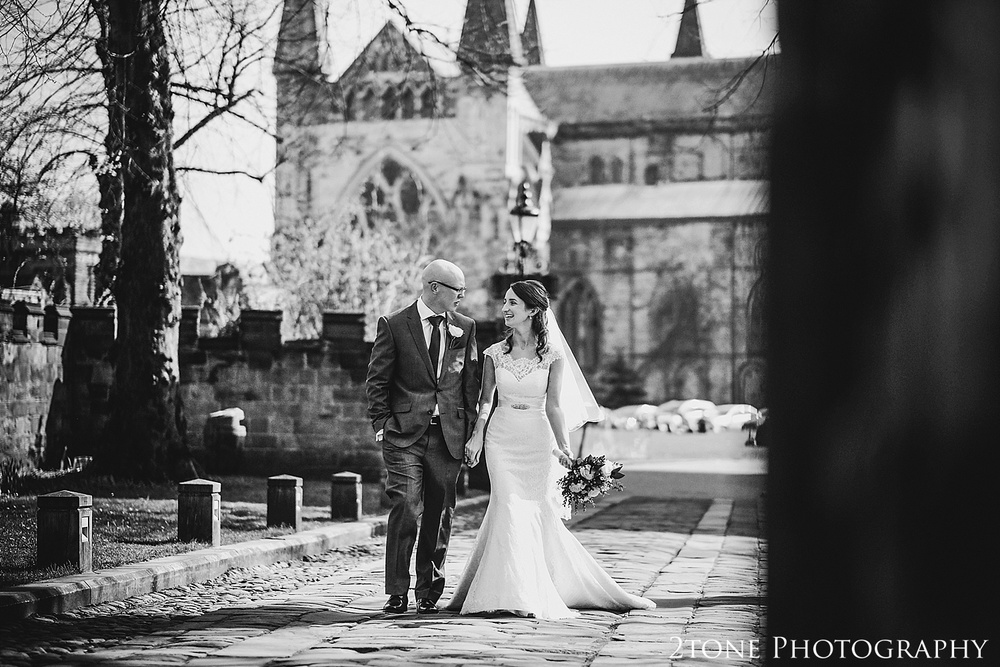 Bride and Groom.  Durham Castle wedding Photography by Durham and Newcastle wedding photographer www.2tonephotography.co.uk