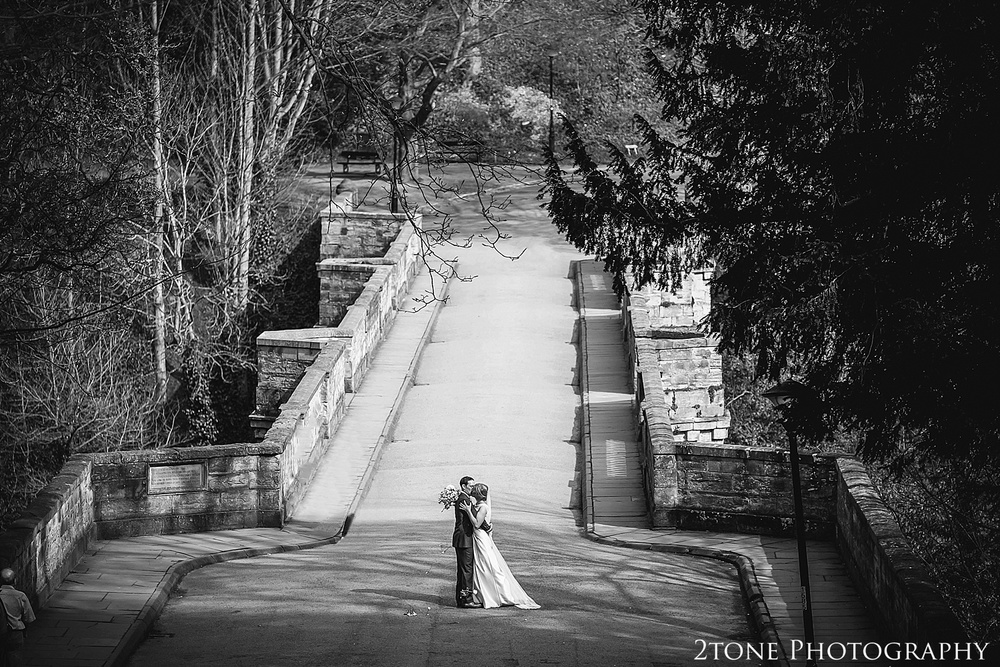 Durham Castle wedding photography by wedding photographers www.2tonephotography.co.uk