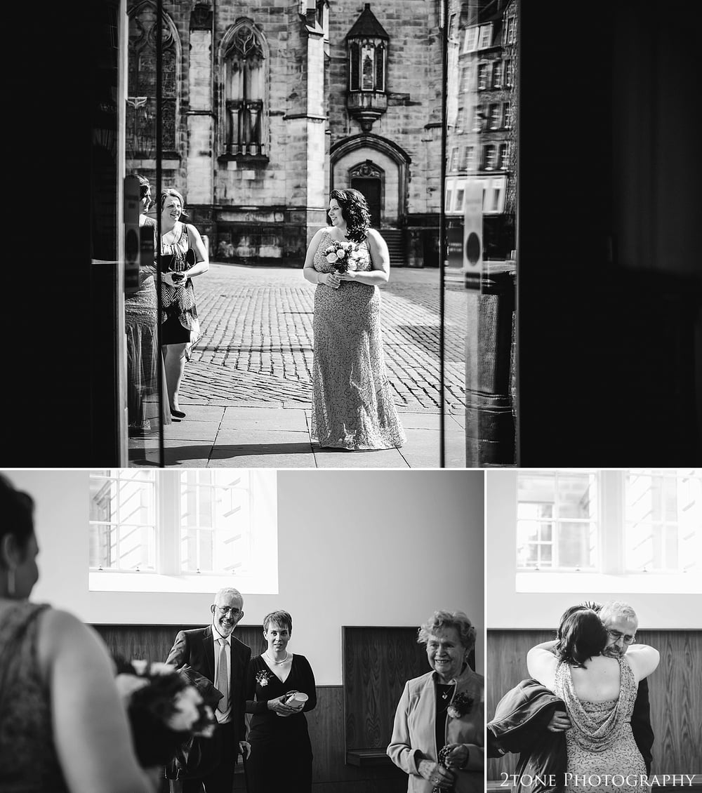 Bride arrives to the wedding.  Wedding Photography at the Lothian Chambers in Edinburgh by 2tone Photography