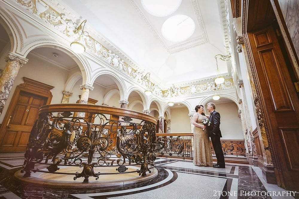 Beautiful Wedding Photography at the Lothian Chambers and the Royal Mile in Edinburgh by 2tone Photography
