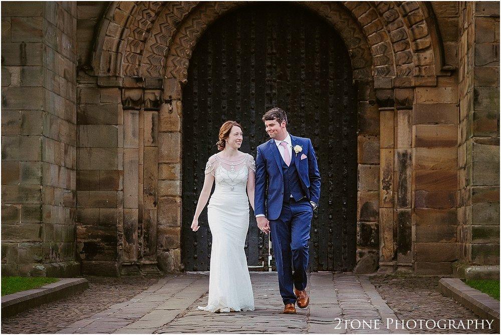 Durham-Castle-wedding-Laura-James 094.jpg