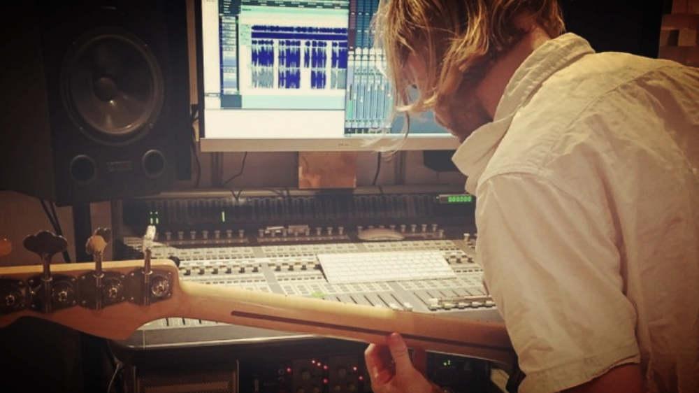 Do You Think Multi-Instrumentalists Are Better Music Producers & Mix