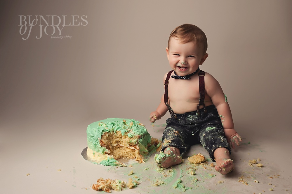 How to plan a 1st birtday party - cake smash