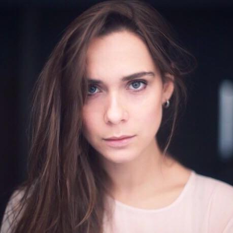 """Lucrezia Guidone in  """"La ragazza nella nebbia"""""""