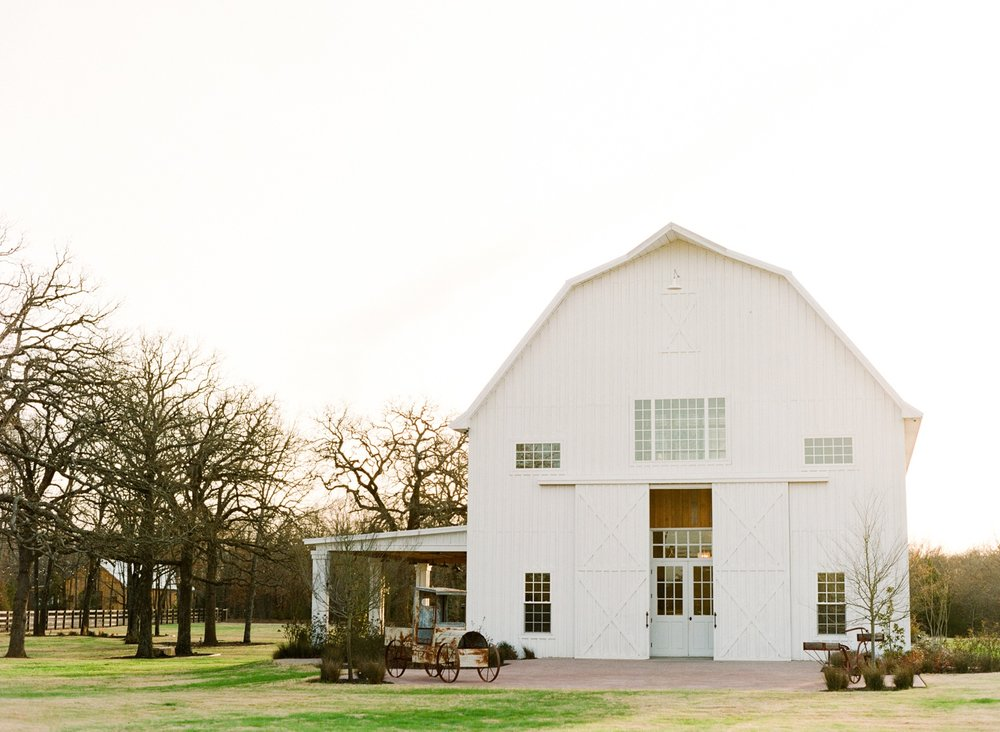 Dallas-Wedding-Photographer-White-Sparrow-Barn_0015.jpg