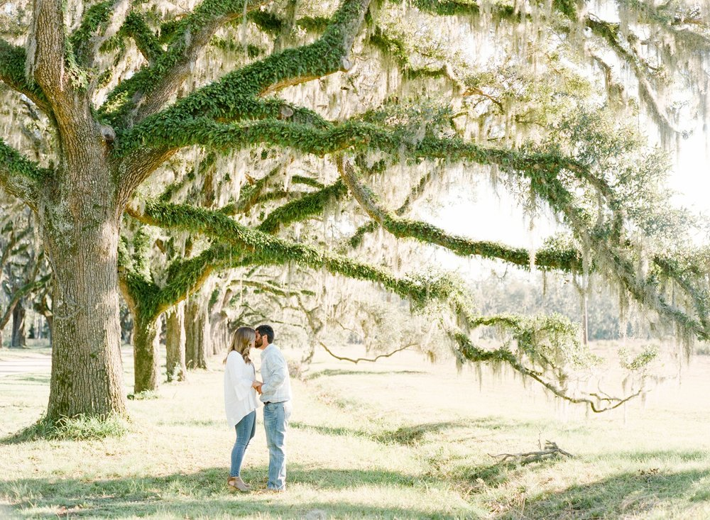 Wormsloe-Engagement-Session_0027.jpg