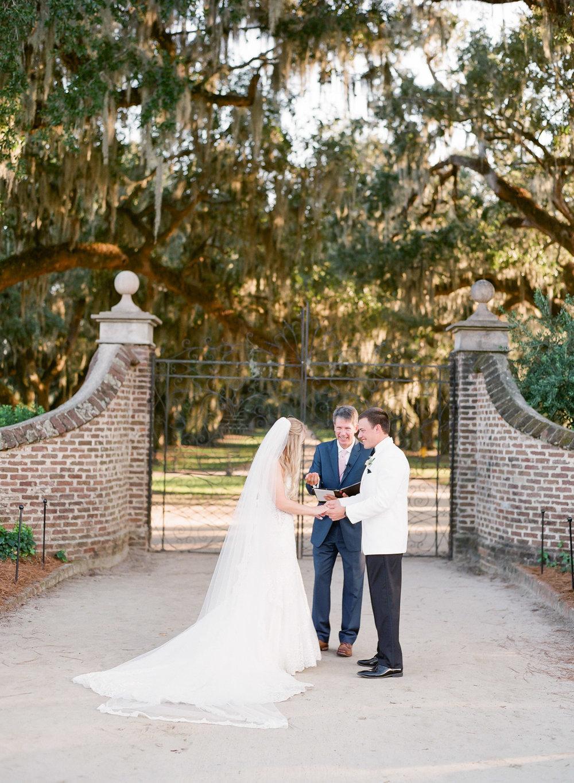 Boone-Hall-Wedding-Photographer-90.jpg