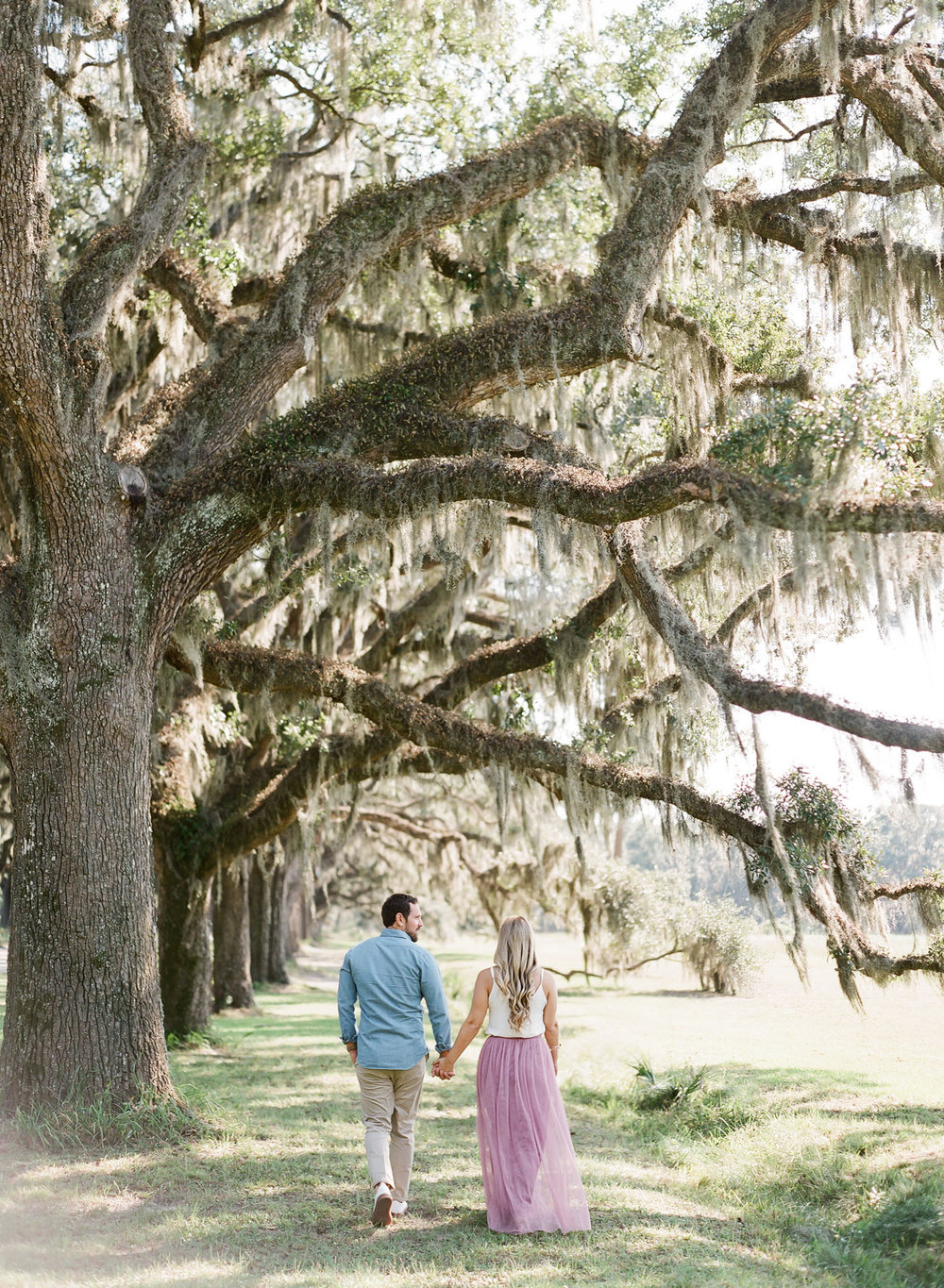Wormsloe-Savannah-Engagement-Photos-31.jpg