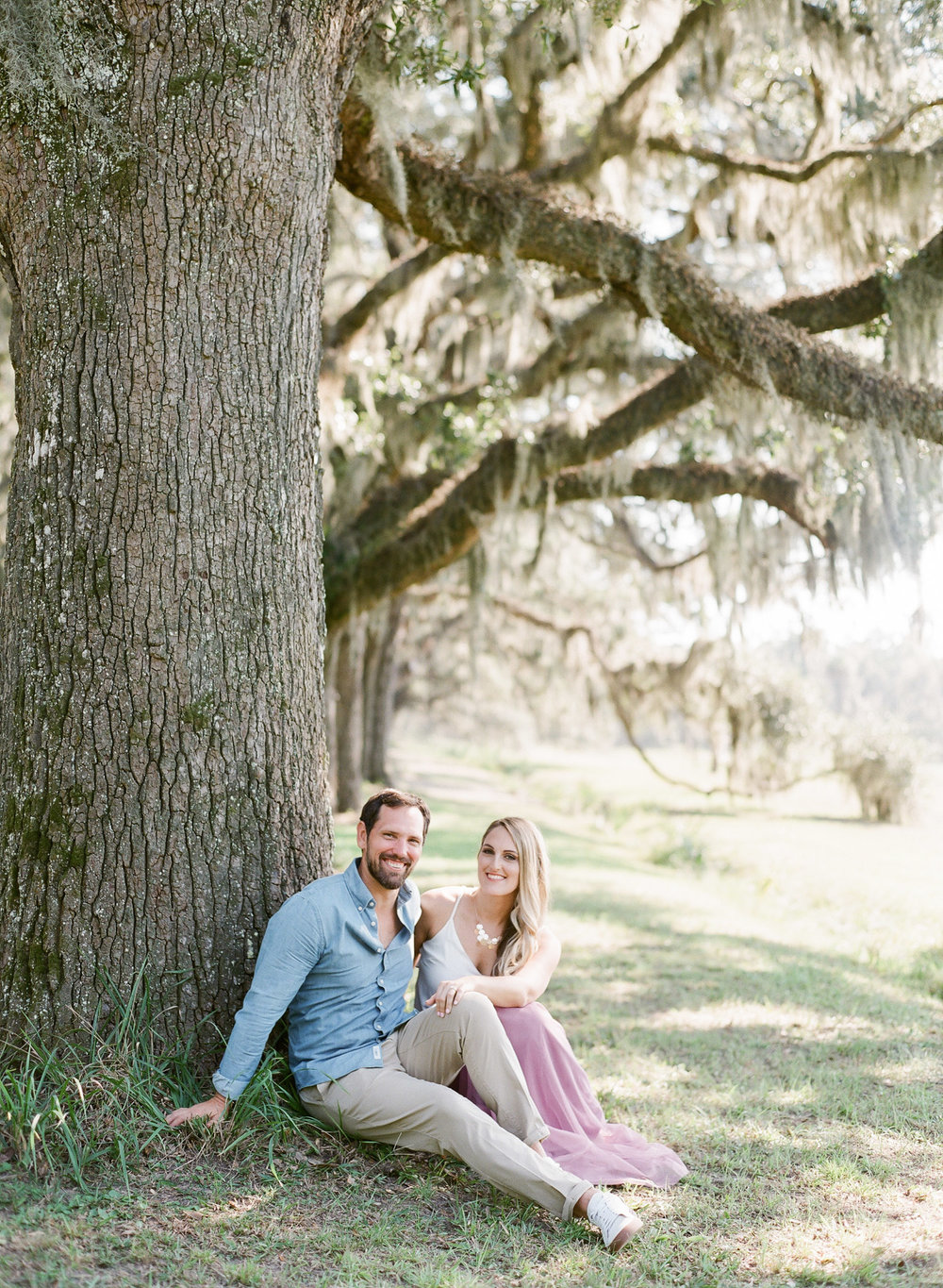 Wormsloe-Savannah-Engagement-Photos-37.jpg