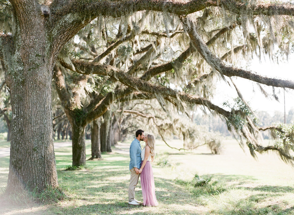 Wormsloe-Savannah-Engagement-Photos-57.jpg