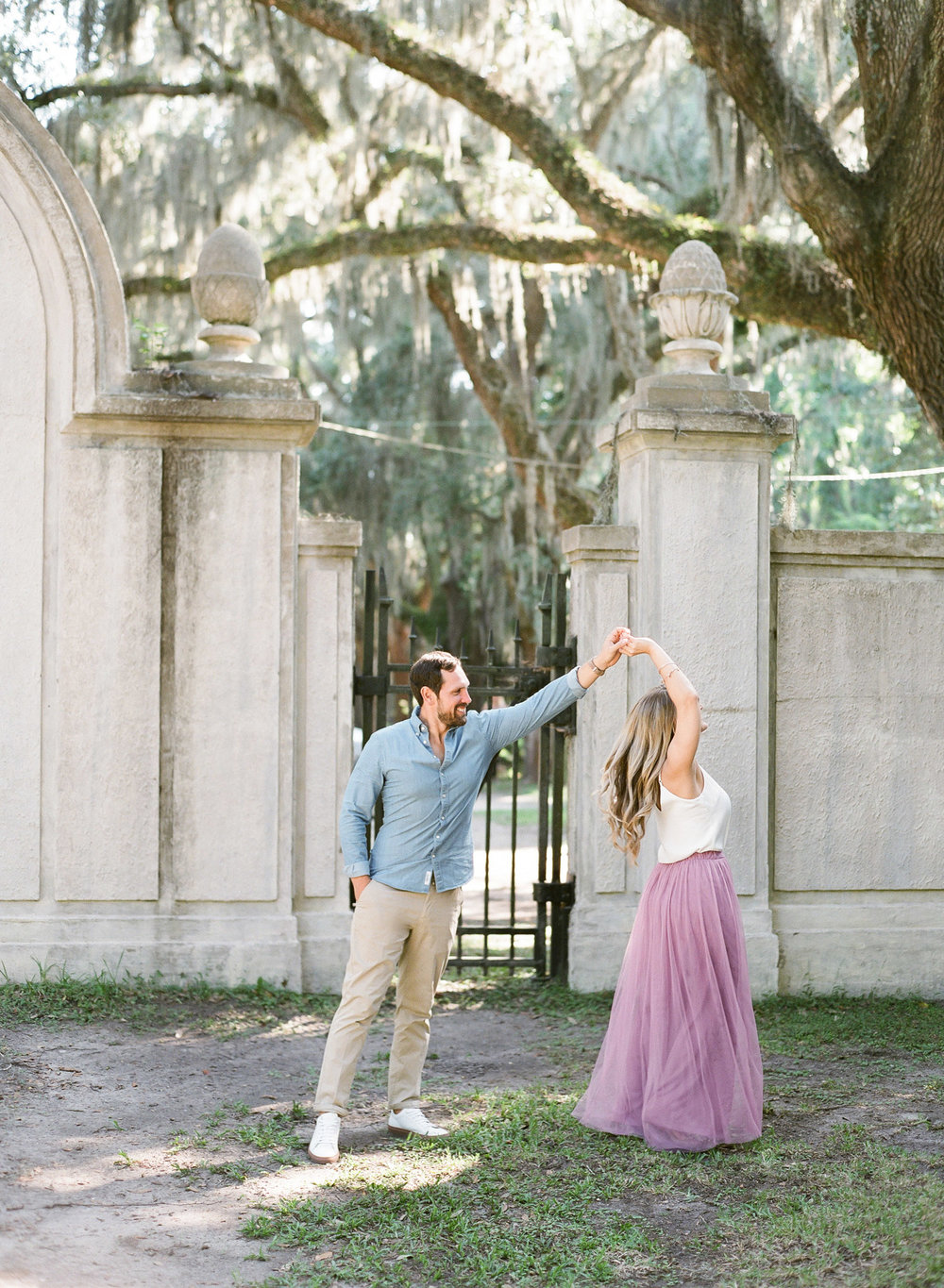 Wormsloe-Savannah-Engagement-Photos-61.jpg