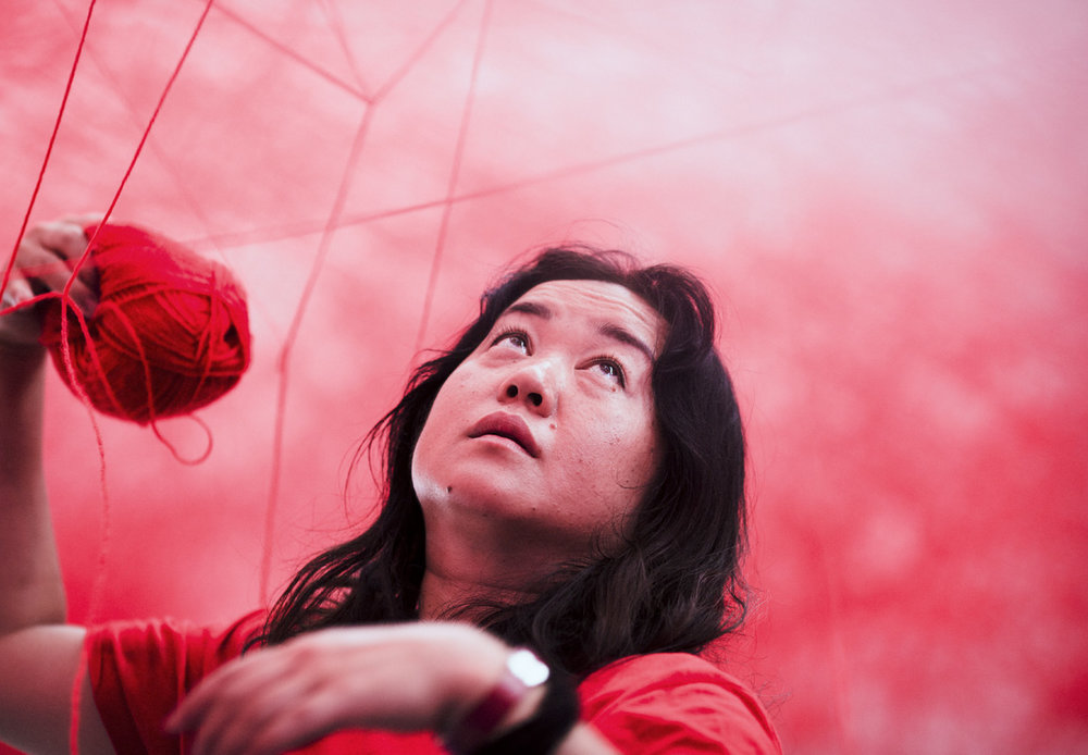 CHIHARU SHIOTA - Reportage about the Japanese artist, while creating a giant installation in Blain Southern gallery in Berlin.
