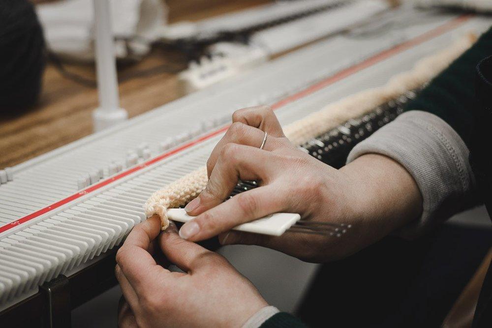 machine-knitting-workshop-mustard-beanie-handmade-10.jpg