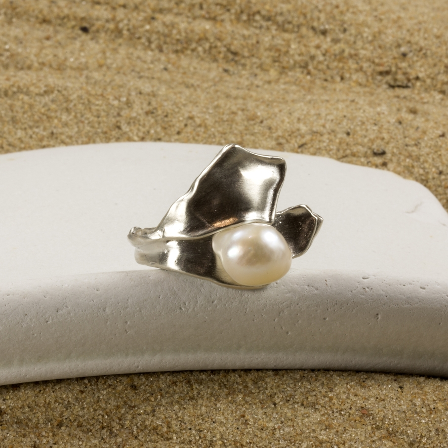 Petalform ring in sterling silver with baroque cultured freshwater pearl