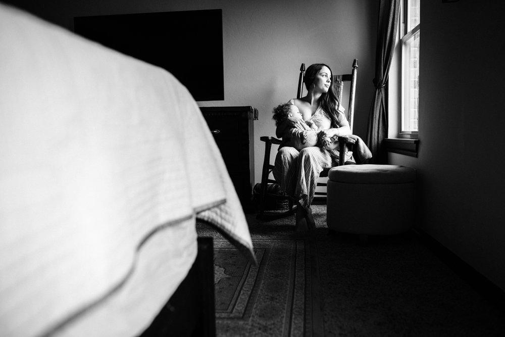 Motherhood session Oklahoma storytelling family photographer