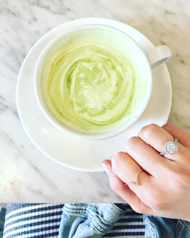 Best way to start the day 🍵#matcha #favespot #cafegratitude #venice #greenbeauty #SheaBell #finejewelry #daintyjewelry #rings