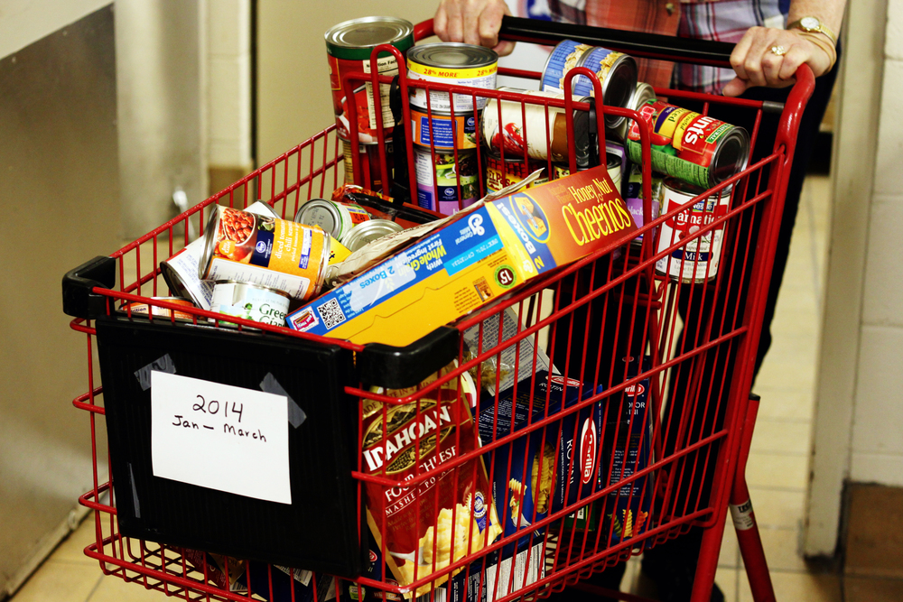 Keeping Carts full at the Worthington Resource Pantry
