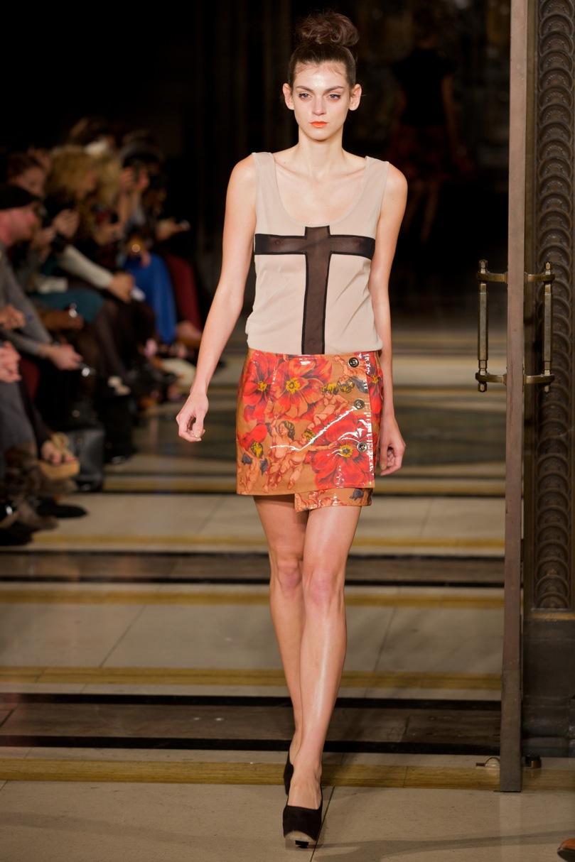 Fashion Scout Vestibule S-S 2012 © Marc Aitken 2014 . www.marcaitken.com 82011-09-182011.jpg