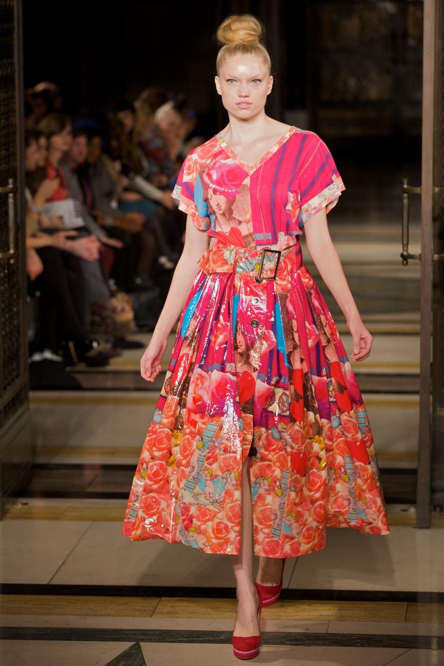 Fashion Scout Vestibule S-S 2012 © Marc Aitken 2014 . www.marcaitken.com 132011-09-182011.jpg