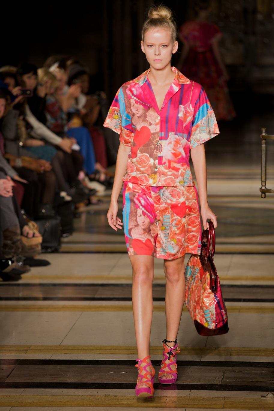 Fashion Scout Vestibule S-S 2012 © Marc Aitken 2014 . www.marcaitken.com 142011-09-182011.jpg