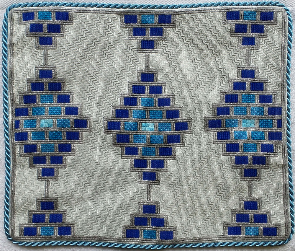 Needlepoint Challah Cover CC-2.jpg