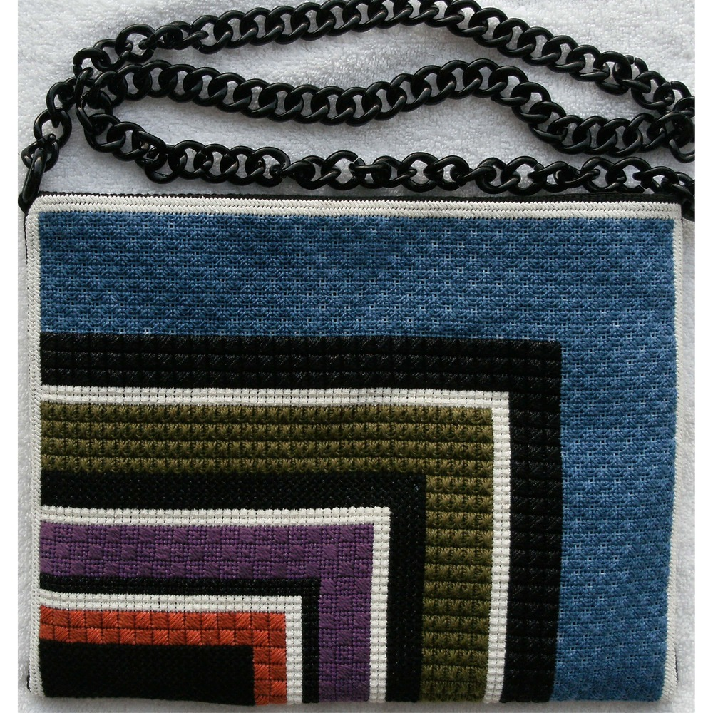 needlepoint handbag purse P47B .JPG