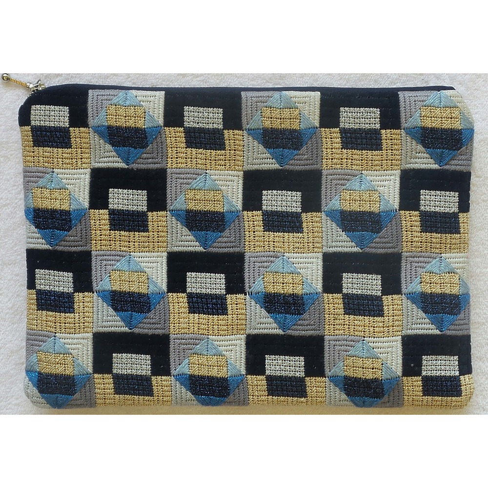 needlepoint handbag purse V28B .jpg