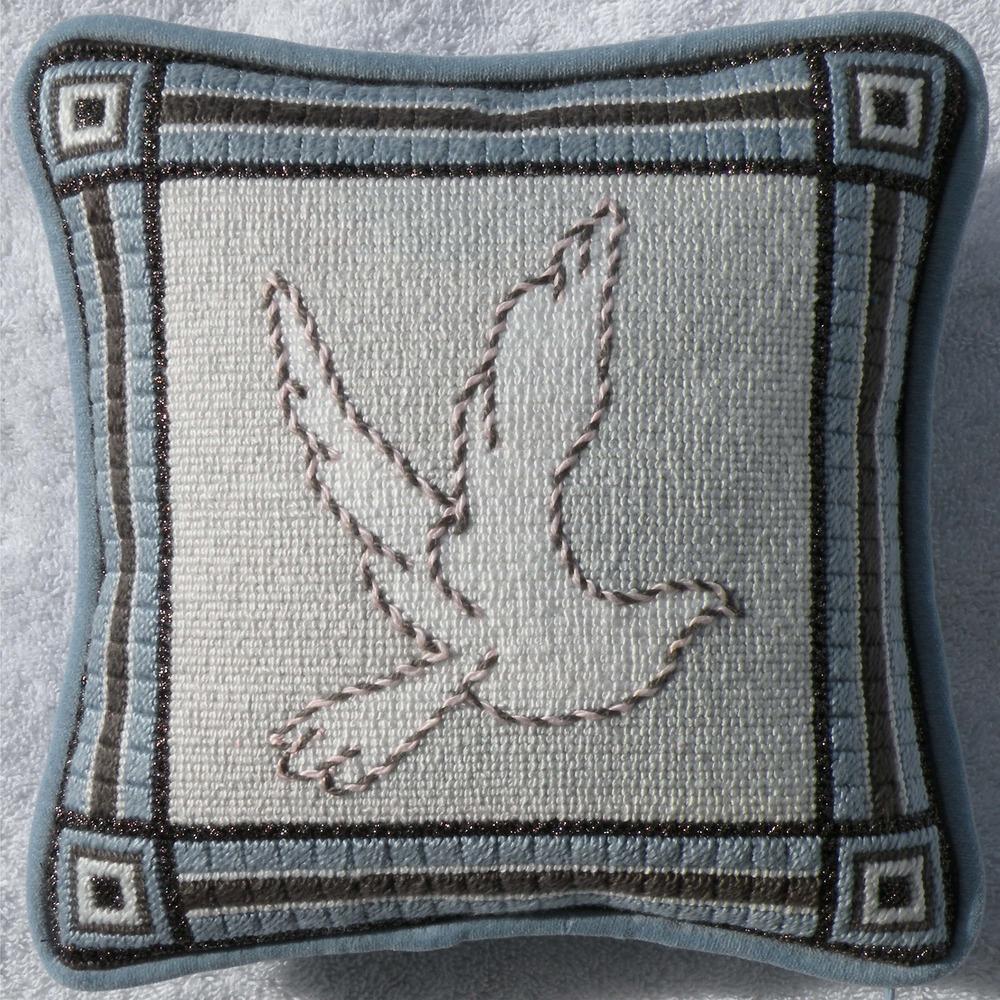 Needlepoint Pillow A3PL .JPG