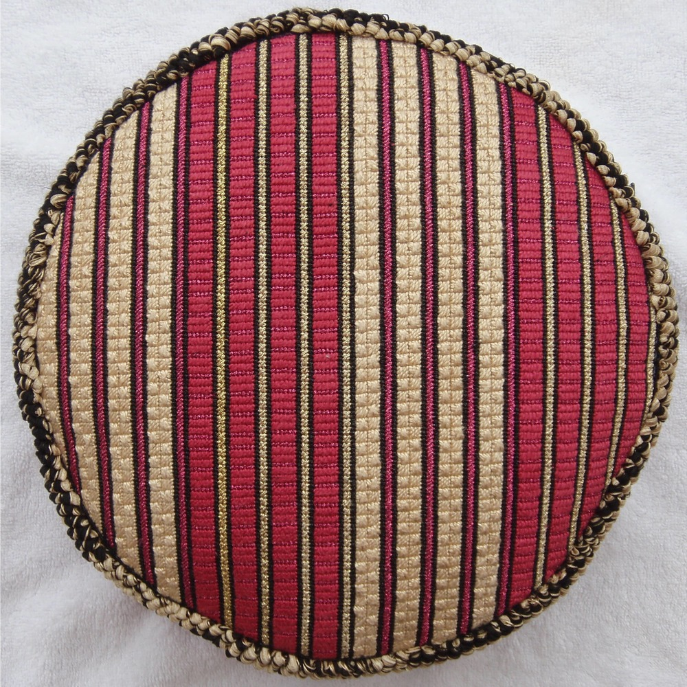 Needlepoint Pillow A13PL .JPG