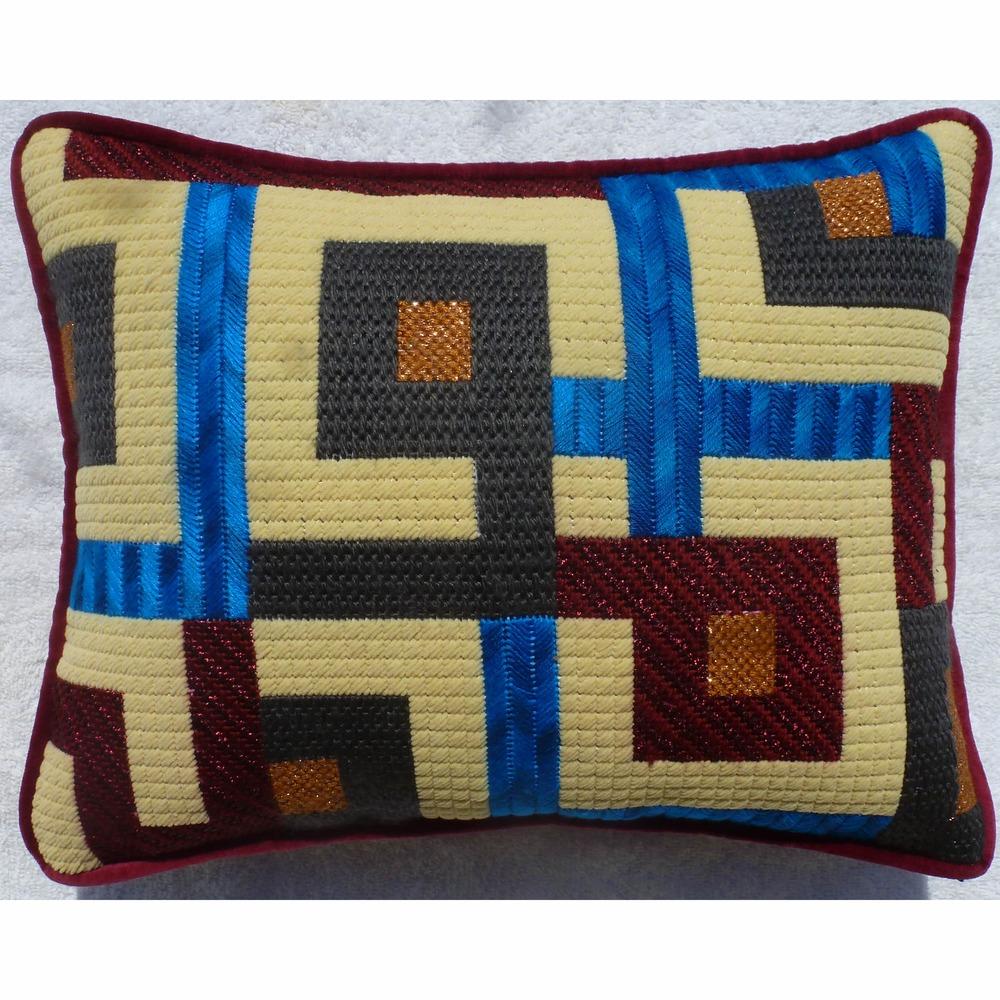 Needlepoint Pillow B14PL .JPG
