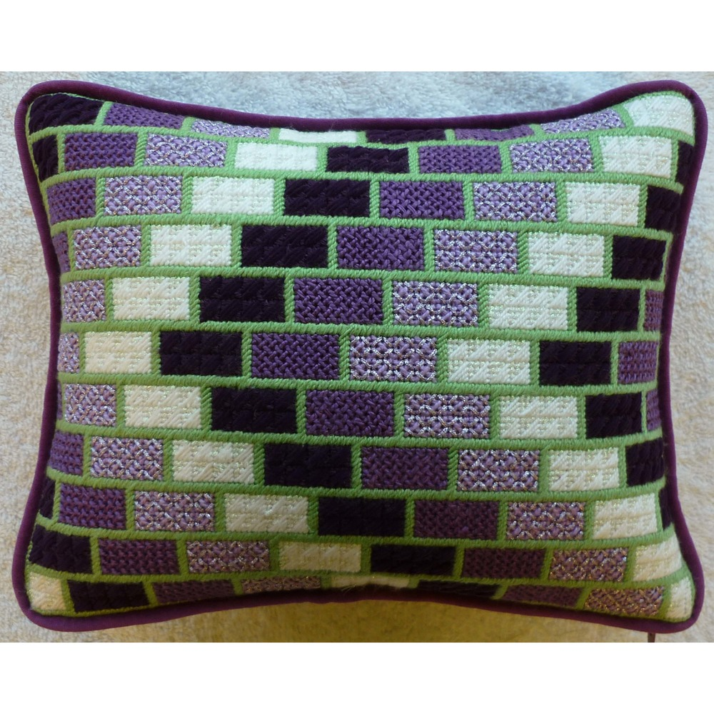 Needlepoint Pillow H1PL .JPG