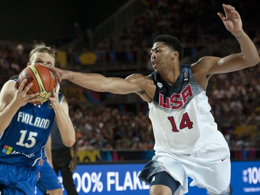 Anthony Davis (R) helped Team USA dominate Finland by 59 points.