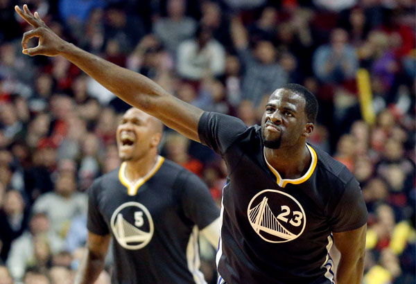 The Warriors have won 12 in a row. Draymond Green poured in a career high 31 points on Saturday night.
