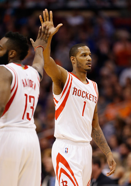 James Harden and Trevor Ariza combined for 47 points as they beat the Chicago Bulls.