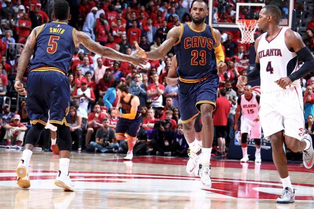 LeBron James and J.R. Smith combined to score 29 points as the Cavs won game 1.