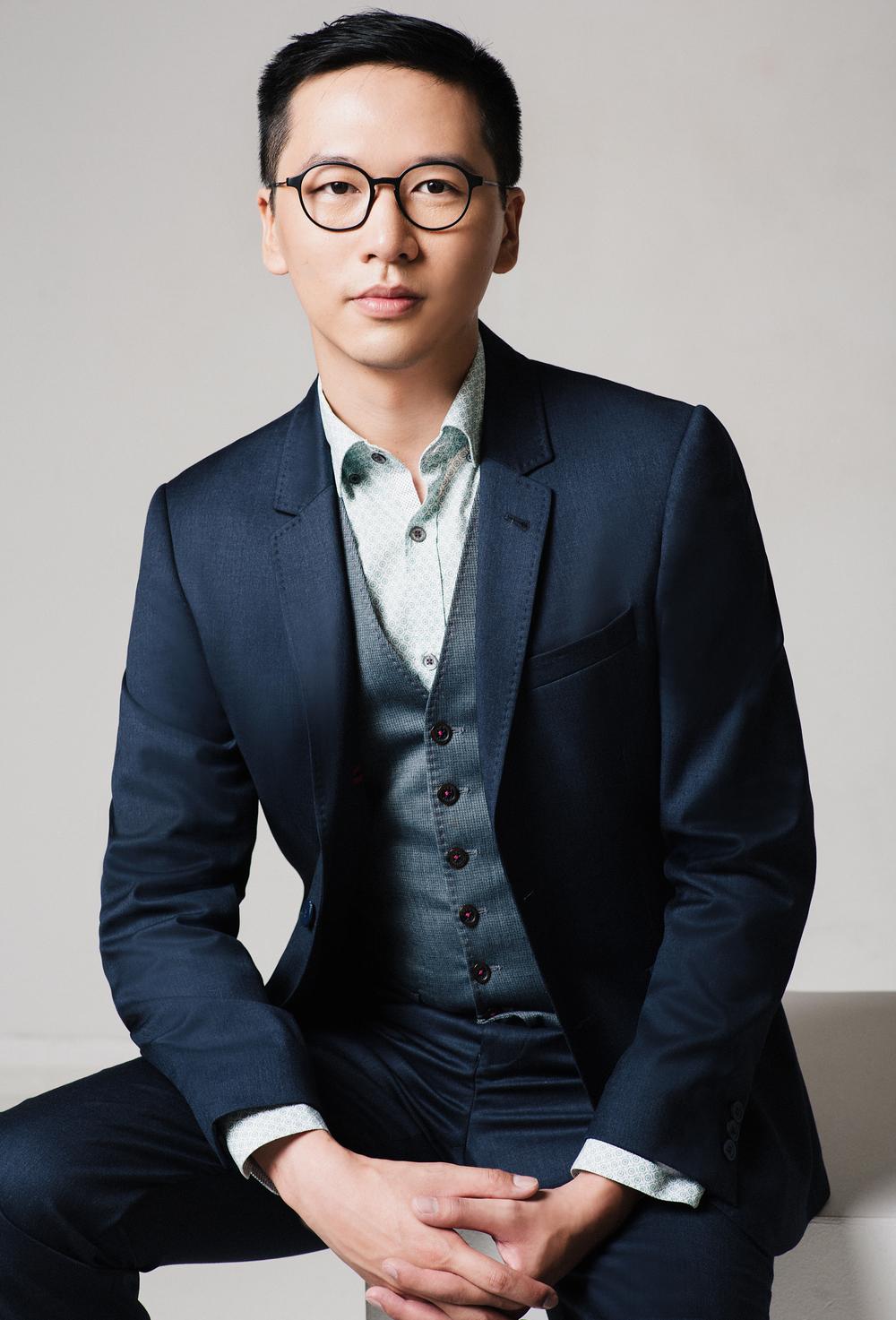 CEO-portrait-corporate-headshot-01.jpg