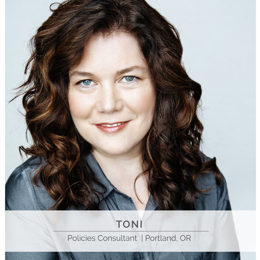 vev_studios_authentic_professional_portrait_headshot_toni_consultant.jpg