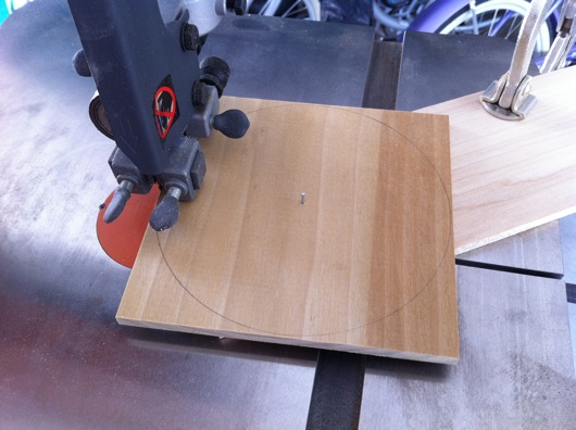 Perfect circle wheel bandsaw jig
