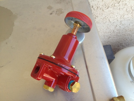 CORRECT high-pressure propane tank regulator